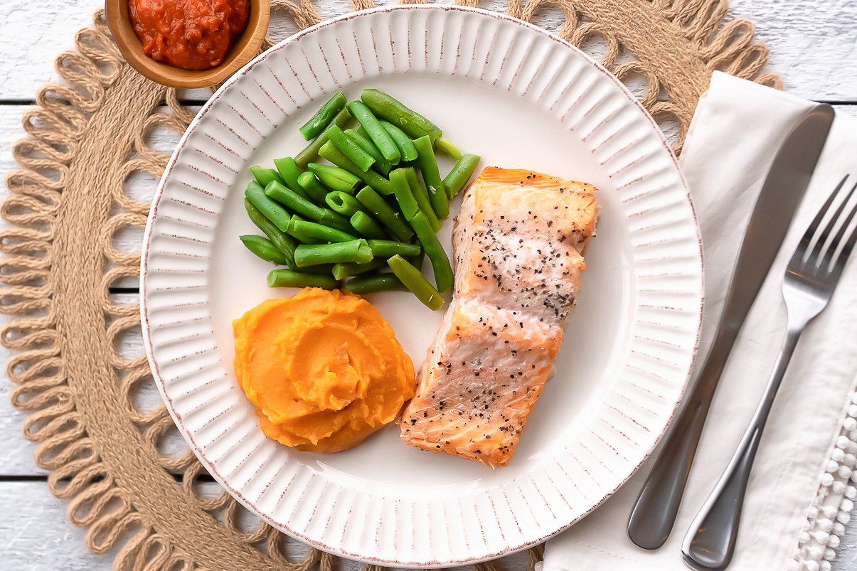 Factor-75-Top-Rated-Meals-Paleo BBQ Salmon Plated2019